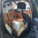 dierenpakketten-kerstpakketten-auto-vol2-baasjes-ndjoy-hulp-aan-honden-brabant