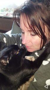 esmeralda-vrijwilliger-ndjoy-hulp-honden-baasjes-kat