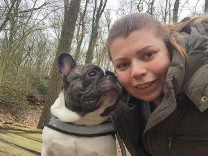marieke-fransen-vrijwilliger-ndjoy-hulp-honden-baasjes