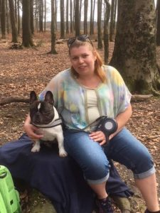 marieke-fransen-vrijwilliger-ndjoy-hulp-honden-baasjes-hond-marieke